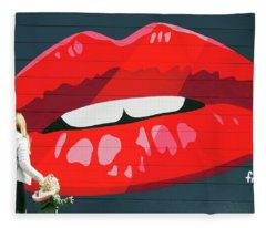 Kiss From San Francisco Fleece Blanket
