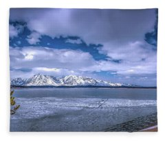 Lake Jackson Wyoming Fleece Blanket