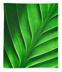 Leaf Pattern Fleece Blanket