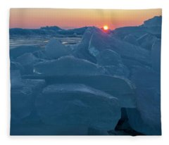 Mackinaw City Ice Formations 21618013 Fleece Blanket