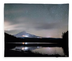 Meteor At Trillium Lake Fleece Blanket