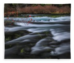 Metolius Berries Fleece Blanket