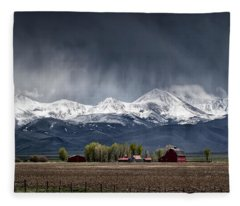 Montana Homestead Fleece Blanket