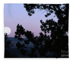 Moonrise In Sedona Fleece Blanket