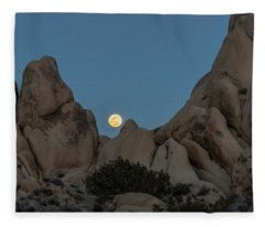 Moonrise In The Sight Fleece Blanket