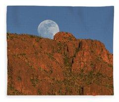 Moonrise Over The Tucson Mountains Fleece Blanket