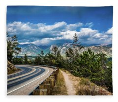 Mountain Curve Fleece Blanket