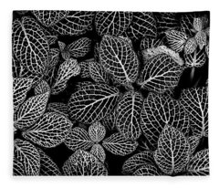 Nerve Plant Leaves Pattern Fleece Blanket