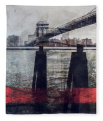New York Pier Fleece Blanket