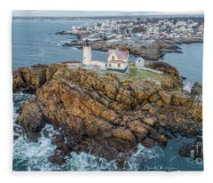 Nubble Light Winter Fleece Blanket
