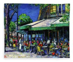 Parisian Cafe Fleece Blanket