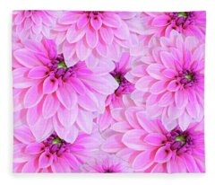 Pink Dahlia Flower Design Fleece Blanket