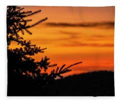 Pointing To Dawn Fleece Blanket
