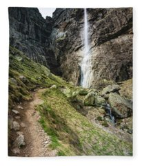 Raysko Praskalo Waterfall, Balkan Mountain Fleece Blanket