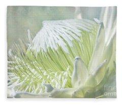 Regal Beauty Fleece Blanket