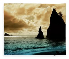 Rock Formations At A Pacific Coast Beach Fleece Blanket