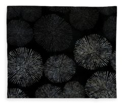 Shibori Sea Urchin Burst Pattern Fleece Blanket