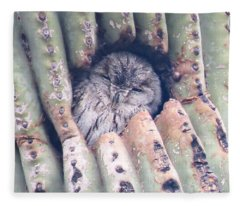 Fleece Blanket featuring the photograph Sleepy Eye by Judy Kennedy