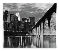 Stone Arch Bridge Minneapolis Bw V4 Fleece Blanket