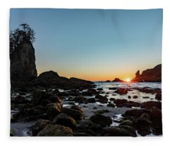 Sunburst At The Beach Fleece Blanket