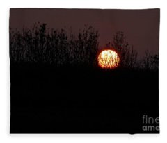 Sunrise Silhouette Fleece Blanket