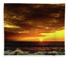 Sunset And Surf Fleece Blanket
