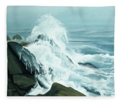 Surging Waves Break On Rocks Fleece Blanket