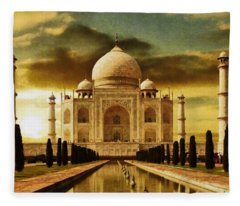 Taj Mahal In The Morning Fleece Blanket