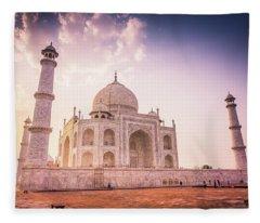 Taj Mahal Side View Fleece Blanket