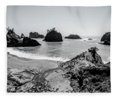 The Oregon Coast In Black And White Fleece Blanket
