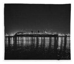 The Queen Under The Stars - B And W Fleece Blanket