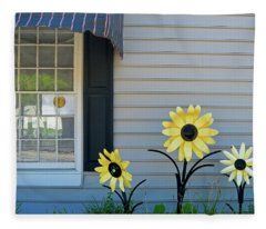 Three Metal Flowers Fleece Blanket