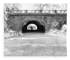 Trefoil Arch Central Park Black And White Fleece Blanket