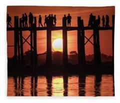 U Bein Bridge Sunset Fleece Blanket