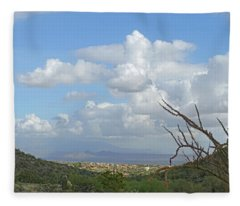 Fleece Blanket featuring the photograph Verdant Valley 3 by Lynda Lehmann