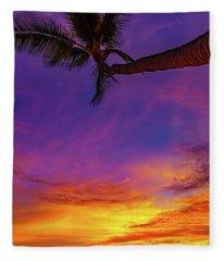 Vibrant Kona Inn Sunset Fleece Blanket