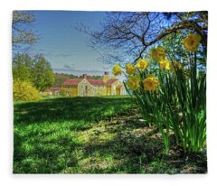 Wentworth Daffodils Fleece Blanket
