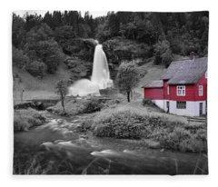 Pop Fleece Blankets