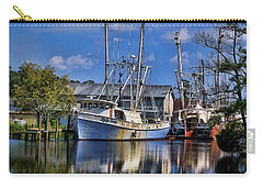 Carry-all Pouch featuring the photograph Lady Helen by Victor Montgomery