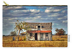 Carry-all Pouch featuring the photograph Old Home by Savannah Gibbs