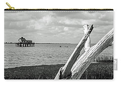 Chincoteague Oystershack Bw Vertical Carry-all Pouch