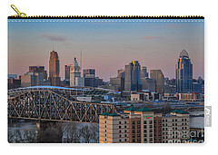 D9u-876 Cincinnati Ohio Skyline Photo Carry-all Pouch