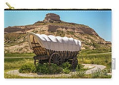 Carry-all Pouch featuring the photograph Covered Wagon At Scotts Bluff National Monument by Sue Smith