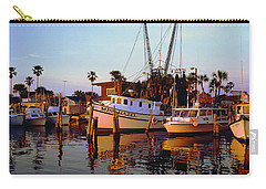 Carry-all Pouch featuring the photograph Daytona Sonny Boy And Miss Hazel by Tom Jelen