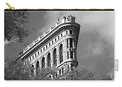 New York City - Flat Iron Prow Carry-all Pouch