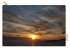 Carry-all Pouch featuring the photograph Gull Rise by Bonfire Photography