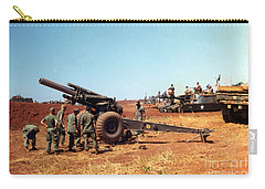 M114 155 Mm Howitzer Was A Towed Howitzer 4th Id Pleiku Vietnam Novembr 1968 Carry-all Pouch