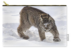 Snow-shovelling Lynx Carry-all Pouch
