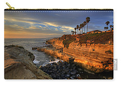 High Dynamic Range Carry-all Pouches