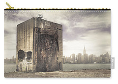 Apocalypse Brooklyn Waterfront - Brooklyn Ruins And New York Skyline Carry-all Pouch